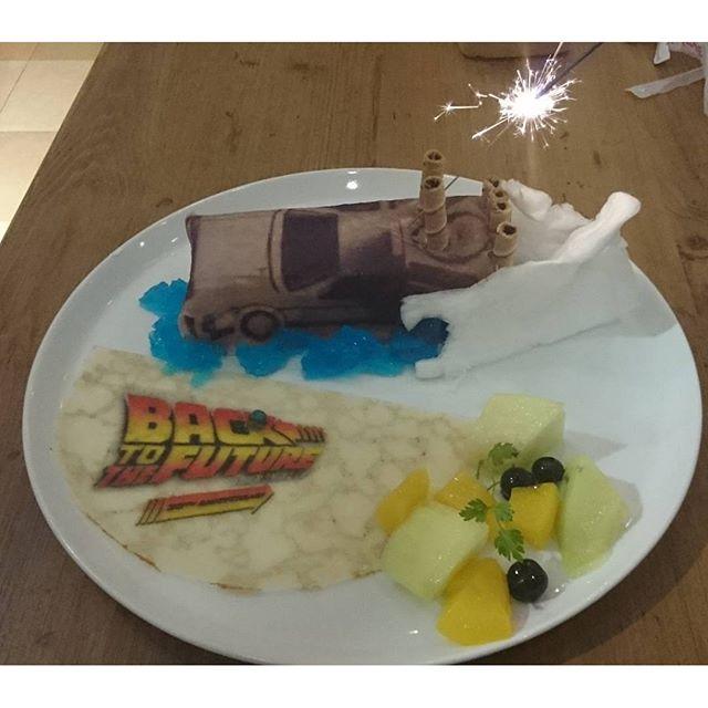 #デロリアン #ケーキ ! うにゃ! #激アツ だわ!#バック・トゥ・ザ・フューチャー #コラボカフェ #池袋 #サンシャイン #スイーツ
