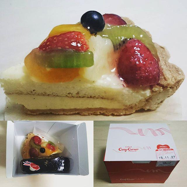 #誕生日ケーキ #コージーコーナー #フルーツタルトケーキ ですにゃ! うまいに決まってる!