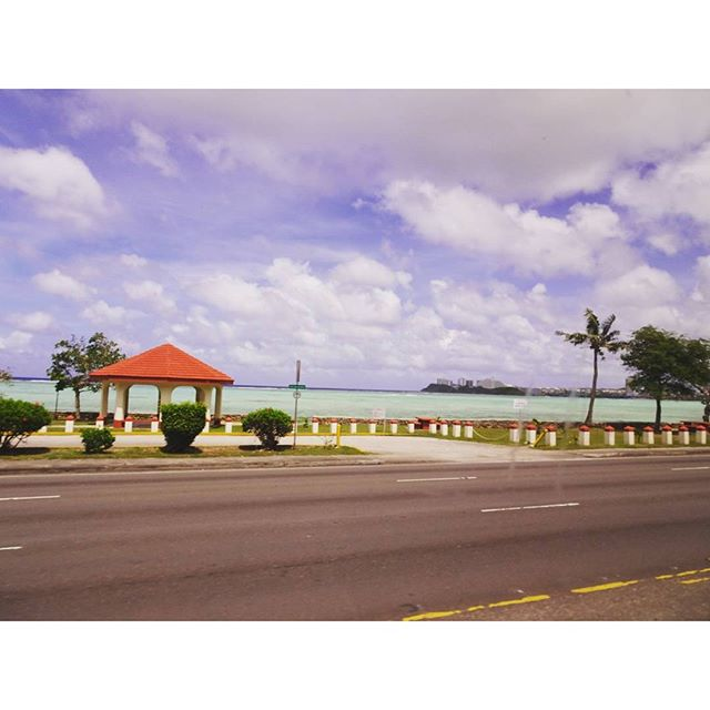 #初めてのグアム #バスツアー こんな景色は #イメージ 通りの #南の島 って感じだよね! #グアム #領土 #guam