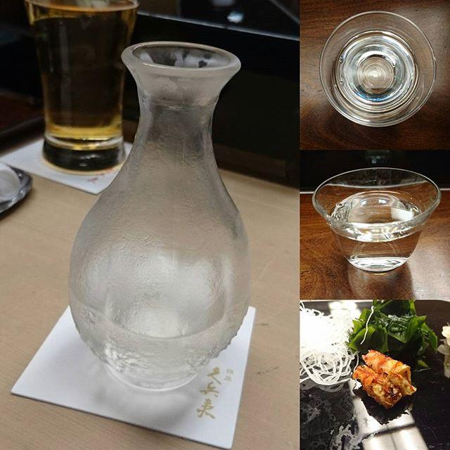 #久兵衛 オススメの日本酒が出てきた!お酒あんまり飲まない侍猫さんでもわかる高い味!香りは甘くて、えぐみのすくない米の甘さも感じる味!たぶんこの日本酒をゼリーやらパウンドケーキに使ったら香りもいいひ美味しいと思う!