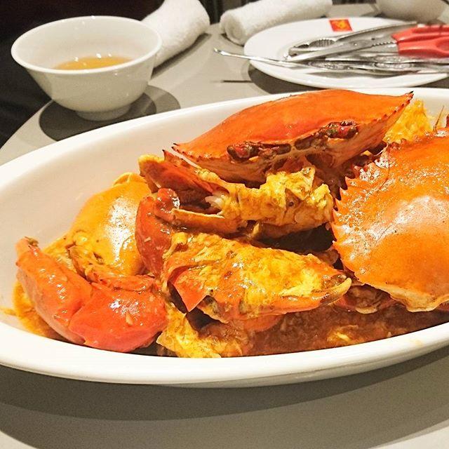 忘年会でシンガポール料理 #威南記海南鶏飯 へ行ったら超固い蟹が出て来てテンションマックスになったけど食べにくかった件。 #カニ