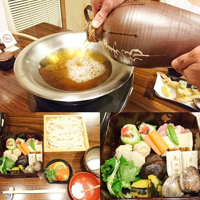 #美味しんぼに登場した実在するお店っぽいリスト 007 #大阪 #美々卯 イモと餅は煮込むとスープが濁るからハマグリが開いてから入れるんだよ! #美味しんぼ #侍猫さんぽ