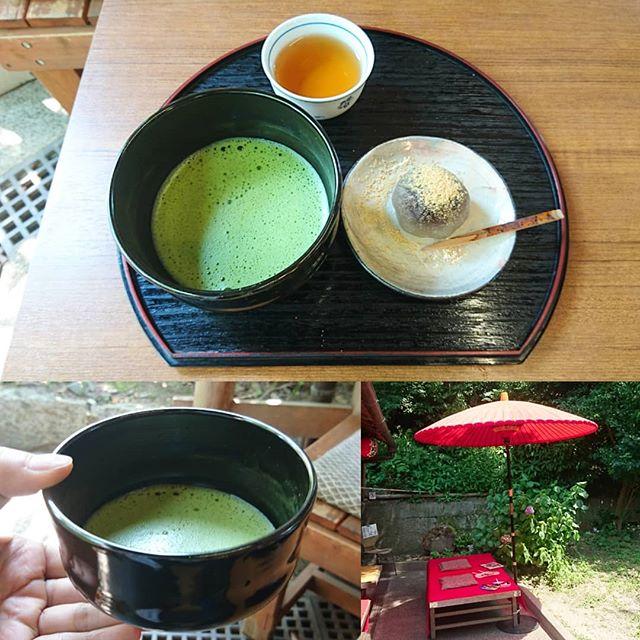 #お抹茶部 #茶わん坂皐月亭 清水寺の入り口付近にあるお抹茶屋さん和菓子がひんやりでうまいね。激熱な気温でもホットの抹茶をいただきたくのです。京都はお抹茶飲める所が多すぎるからコンプリートは不可能だね。