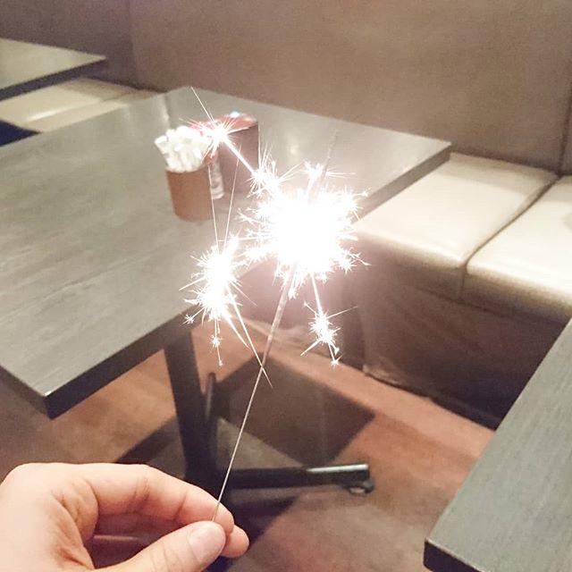 祭ヤからバースデーサプライズきた!毎年この花火が二十歳の誕生日を祝ってくれますなぁ #花火 #祭ヤ #人形町